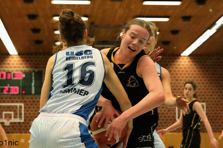 Noreen, Lia (vs Heidelberg) ; (c) Andreas Gieser (cheesy photo)